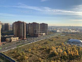 風景,空,建物,秋,紅葉,屋外,海外,雲,窓,景色,家,タワー,都会,高層ビル,ダウンタウン,マンション,ロシア,郊外,サンクトペテルブルグ
