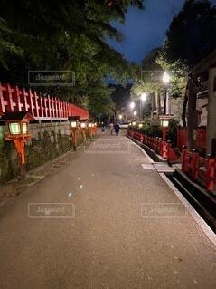 風景,空,夜,屋外,京都,神社,赤,散歩,道路,樹木,道,旅行,歴史,通り,日本文化