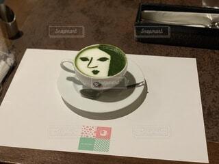 カフェ,コーヒー,京都,散歩,抹茶,皿,食器,和風,ドリンク,ラテ,抹茶ラテ,よーじやカフェ,コーヒー カップ