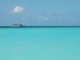 海,空,屋外,湖,海外,ビーチ,きれい,ボート,綺麗,船,水面,水平線,旅行,旅,遊覧船,水上バイク,クリアブルー,蒼海