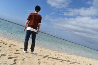 男性,自然,風景,海,空,夏,屋外,砂,ビーチ,砂浜,一人,水面,海岸,人物,人,旅行,黄昏,真夏,日中