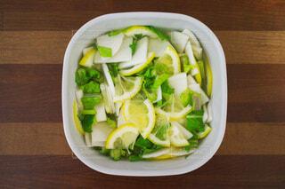 食べ物,食事,緑,黄色,フード,美味しそう,レモン,漬物,カブ,飲食,浅漬け