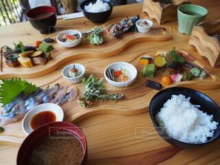 おしゃれな岩魚料理の写真・画像素材[4917015]