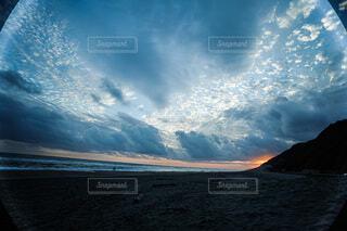 海,太陽,砂,雲,砂浜,夕暮れ,海岸,無加工,世界