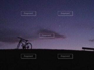 空,自転車,屋外,夕暮れ,自転車のホイール