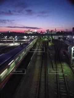 空,高層ビル,鉄道