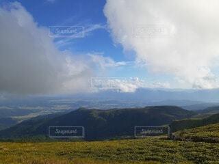 自然,風景,空,屋外,雲,山,景色,草,丘,くもり,バック グラウンド