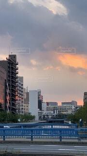 空,建物,群衆,屋外,雲,タワー,都会,高層ビル,日中