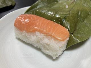 食べ物,料理,寿司,魚介類,サーモン,郷土料理,柿の葉,酢飯
