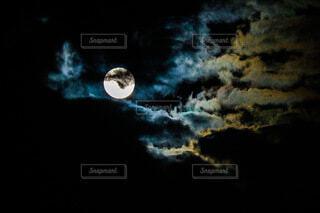 自然,風景,空,公園,夜空,雲,暗い,月,地面,満月,クレーター,草木