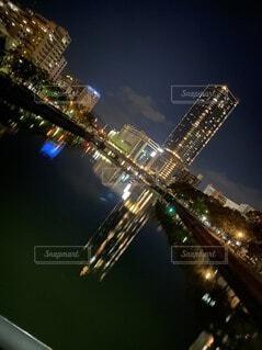 空,建物,夜,水面,タワー,都会,高層ビル,明るい