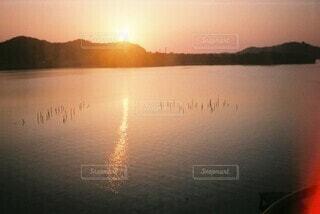 自然,空,屋外,湖,太陽,ビーチ,雲,夕暮れ,水面,反射,日の出,設定