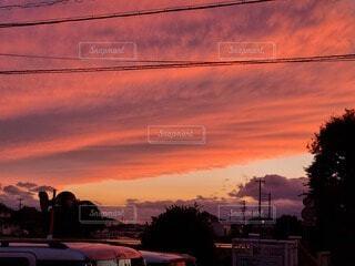 風景,空,屋外,太陽,雲,夕暮れ,オレンジ,樹木,明るい,帰り道の夕焼け