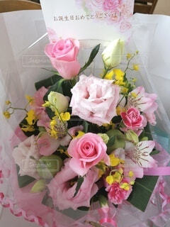 花,屋内,花束,花瓶,バラ,薔薇,テーブル,フラワーアレンジ,花柄,草木,花屋,造花,切り花