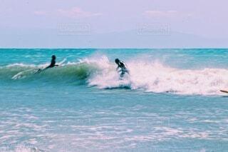 海,空,スポーツ,屋外,サーフィン,サーフボード,ビーチ,波,水面,サーフ,マリンスポーツ,乗馬