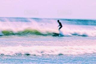 海,スポーツ,屋外,サーフィン,サーフボード,ビーチ,波,水面,サーフ,マリンスポーツ,スポーツ用品,風の波,ボードスポーツ