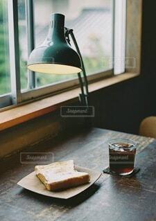 カフェ,コーヒー,朝食,朝ごはん,食パン,窓際,ブレイクタイム,おしゃれ