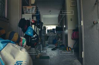 屋内,放課後,部活,部室,廃棄物容器