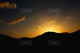 そろそろ日の出ですの写真・画像素材[4952837]
