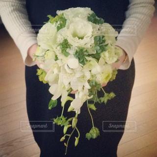 白,フラワーアレンジメント,お花,ブーケ,フラワーデザイン
