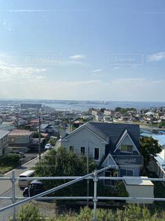 朝の港町の風景の写真・画像素材[4946829]