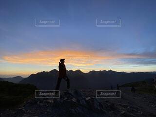 穂高連峰を眺めるの写真・画像素材[4948377]