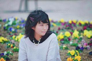 花の前の写真・画像素材[710991]