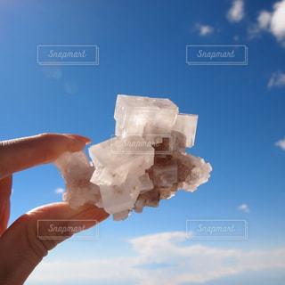 ウユニ塩湖の塩の結晶の写真・画像素材[924644]