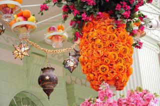 テーブルの上の花の花瓶 - No.785716