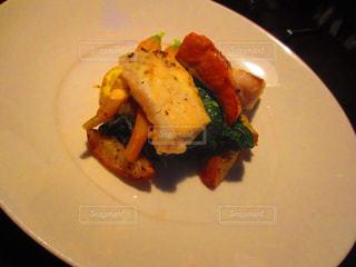 肉と野菜をトッピング白プレート - No.822327