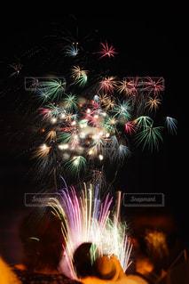 空に花火の写真・画像素材[1311326]