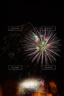 空に花火の写真・画像素材[1311327]