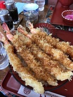 豪快なエビ天丼の写真・画像素材[3860774]