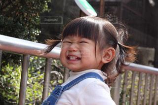 子ども,女の子,笑顔,動物園,2歳