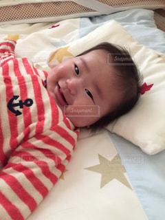 女の子,笑顔,赤ちゃん,寝起き