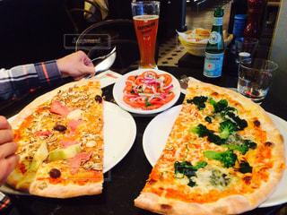 食事,ディナー,大きい,ビール,ドイツ,イタリア,イタリアン,デート,特大,ピザ,ハンブルグ,L'Osteria,オステリア,ビックサイズ