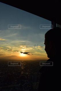 空,東京,綺麗,夕焼け,横顔,新宿,ドイツ人,新宿都庁