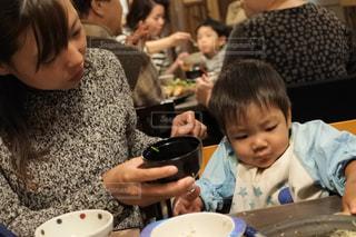 子ども,食事,人物,人,赤ちゃん,ごはん,お母さん,ママと子供