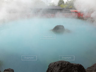 水から出てくる煙 - No.752754