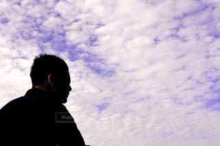 男性,空,屋外,青空,シルエット,人物