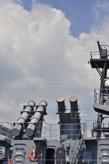 バック グラウンドでの大型船の写真・画像素材[781523]