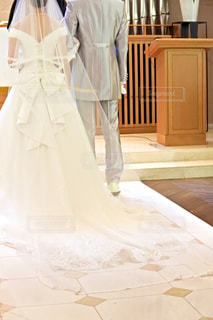 白いドレスを着た男の像の写真・画像素材[807853]