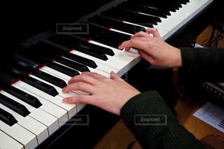 ピアノの鍵盤の写真・画像素材[807984]