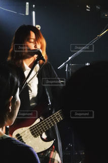 ギターを持っている人 - No.808004