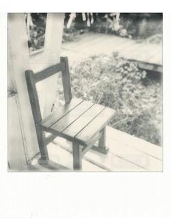 ベンチの黒と白の写真の写真・画像素材[851722]