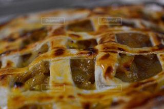 近くのピザのスライスをの写真・画像素材[851797]