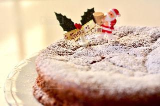 テーブルの上のケーキの一部 - No.851816