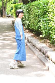 人の道を歩いての写真・画像素材[856797]