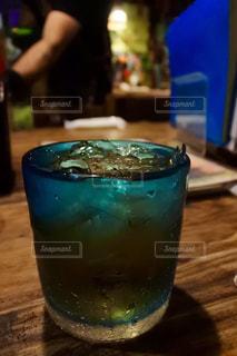 屋内,沖縄,景色,ガラス,テーブル,旅行,ビール,カップ,カクテル,ドリンク,居酒屋,飲料,泡盛,泡波