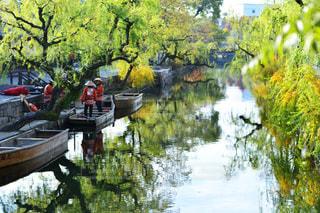 水の体の小さなボート - No.915931